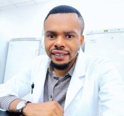 Micah Nneji Headshot